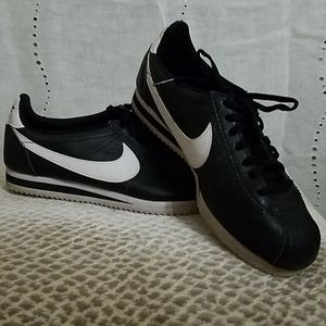Black leather Nike Cortez Mens Size 8